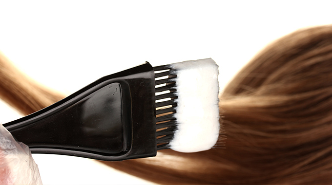 Wybór preparatu dofarbowania włosów