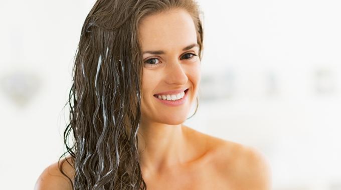 Pielęgnacja puszących się włosów Hairvity