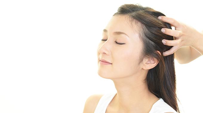 Jak wykonywac masaż skóry głowy - Halier ● Blog