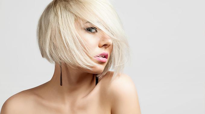 krotkie wlosy blond