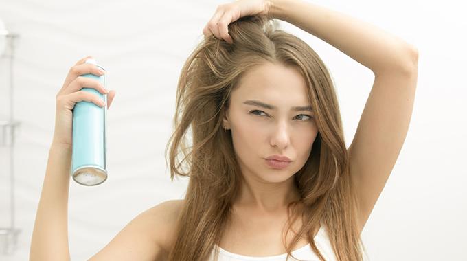 przetłuszczone włosy