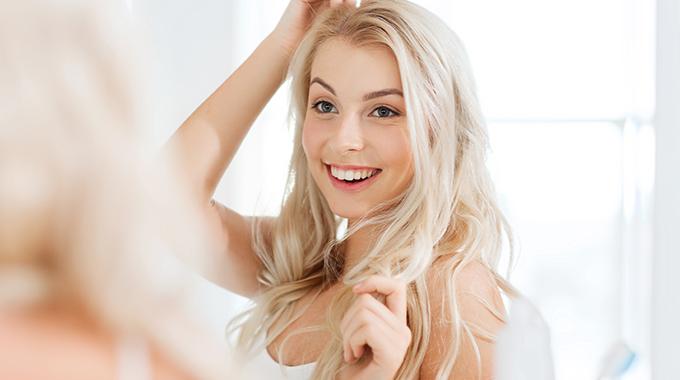 Modelowanie twarzy fryzurą - dobieranie właściwej fryzury