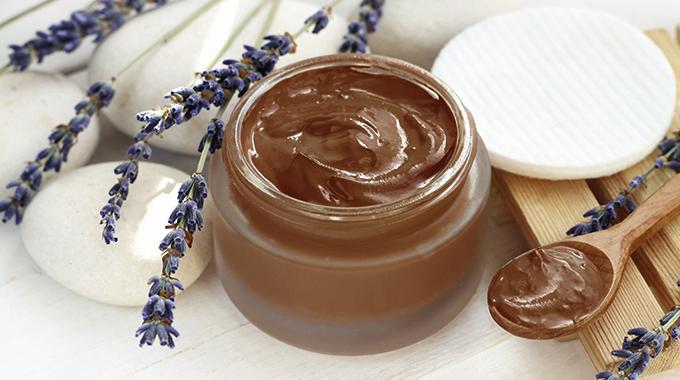 farbowanie włosów kremem czekoladowo-orzechowym