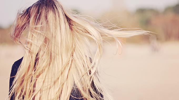 waniliowe włosy