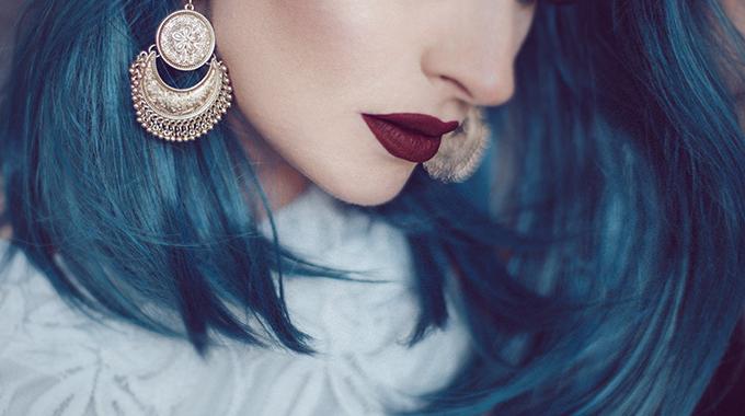 włosy wkolorze oceanu