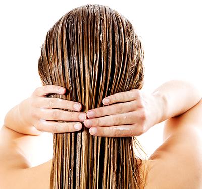 mycie włosów odżywką