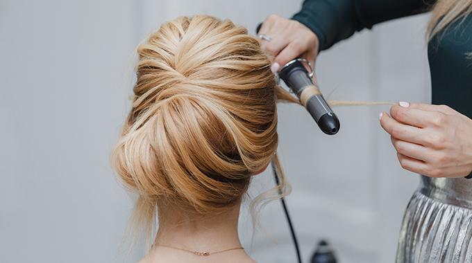 Upięcie włosów naślub