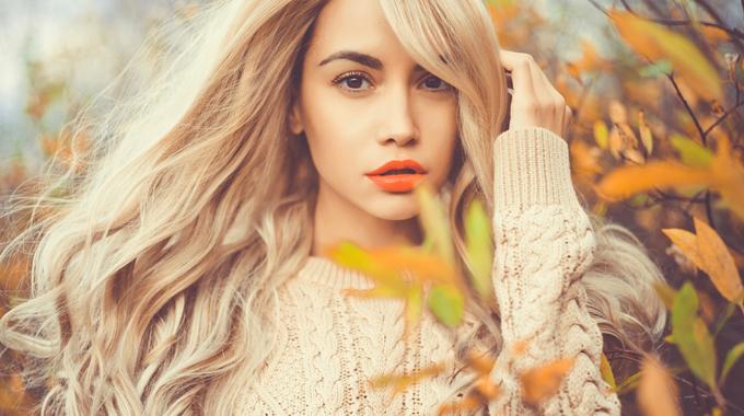 Jak dbać owłosy jesienią