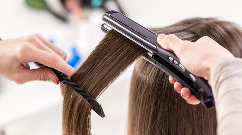 Stylizacja włosów nagorąco