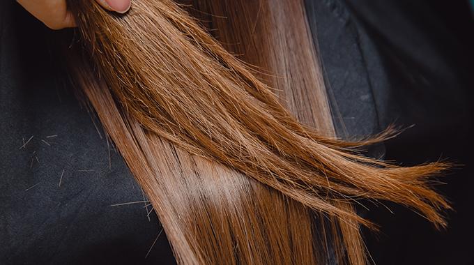 Łamiące się włosy