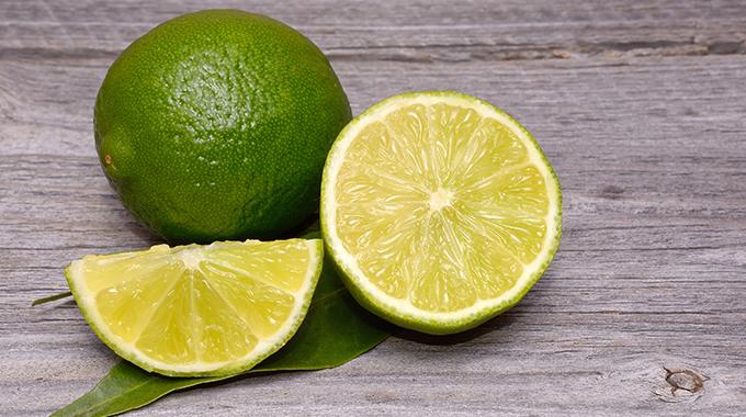 Limonka wpielęgnacji włosów