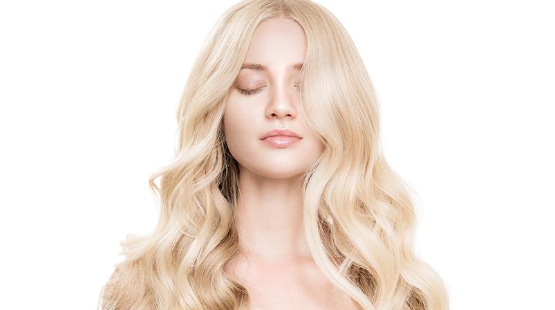 Jasny blond