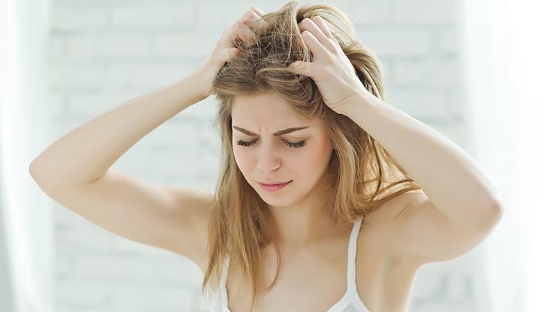 Dlaczego skóra głowy jest sucha?